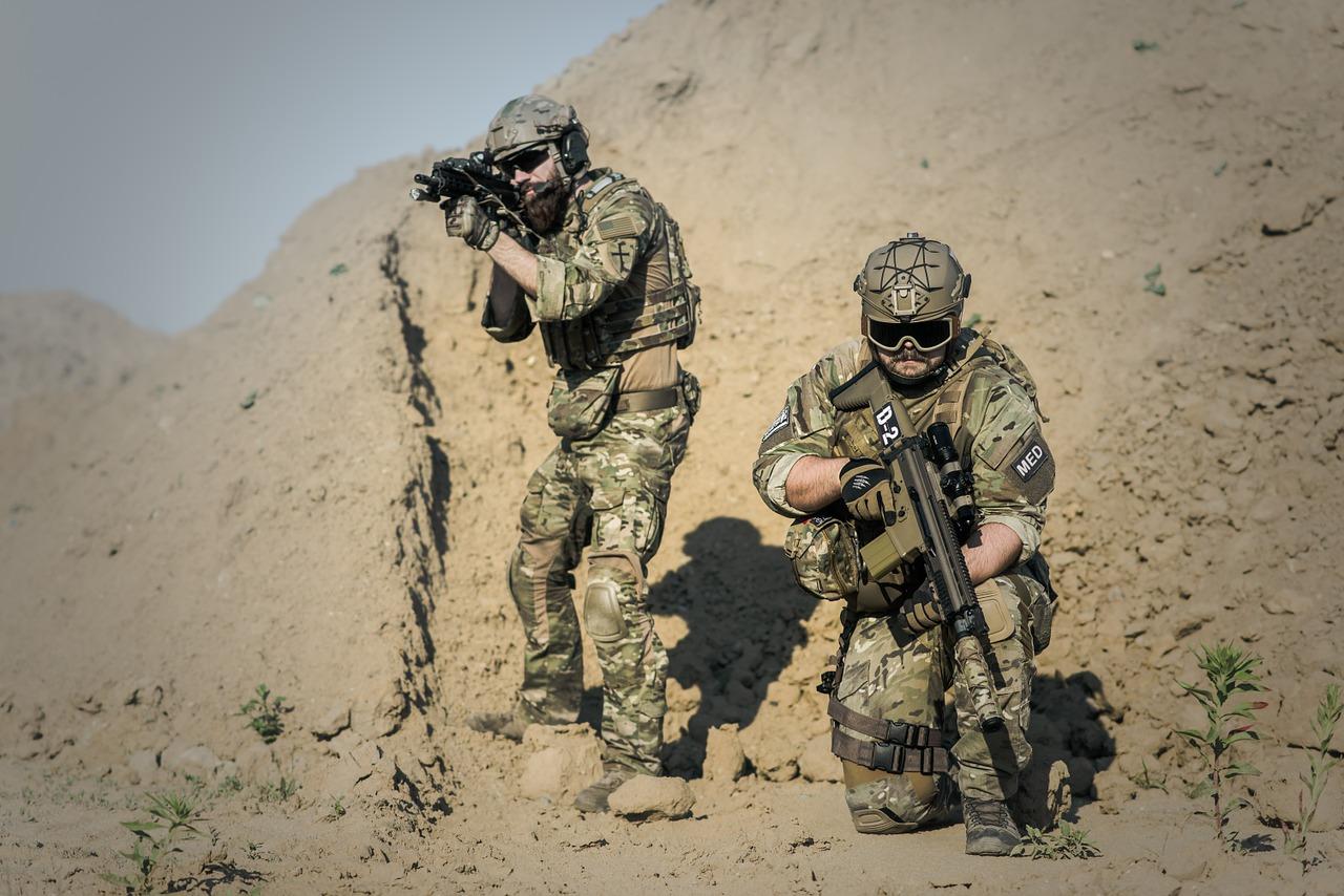 חיילים בצבא